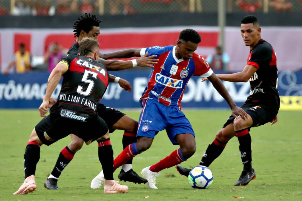 b9dfcdfbc7 Bahia arranca empate com Vitória no clássico e mantém tabu